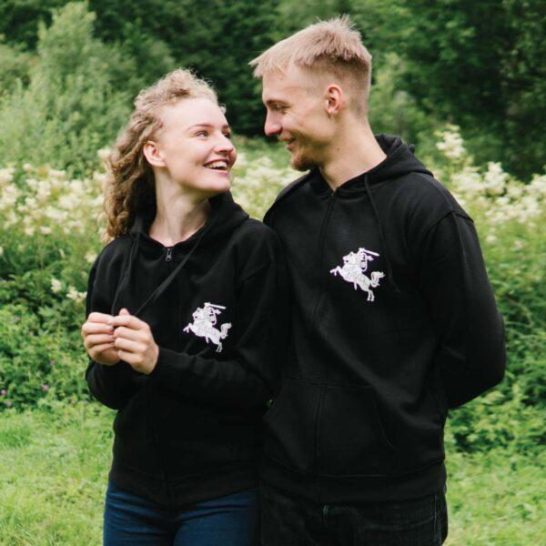 Džemperis-su-užtrauktuku-Vytis,-juodas---Puoškis-lietuviškai